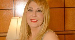 """ناديا الجندي تسرق الأضواء بأناقتها وتؤكد:""""حب الحياة صناعة لبنانية"""""""