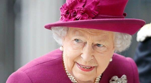 الملكة إليزابيت